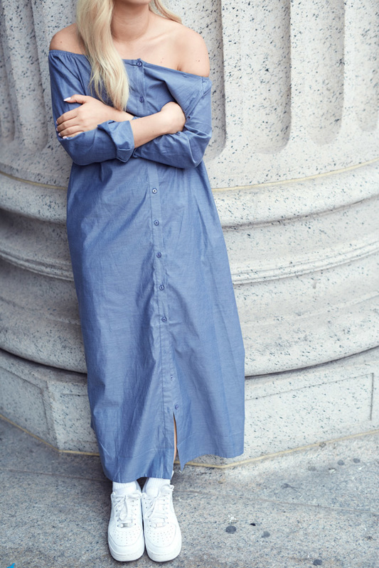 Sarah Kim, Bag lady style, off-the-shoulder maxi dress, chambray dress, New York City, New York style, travel, fashion, magazine, stylist, basic dresses