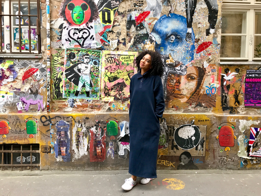bag lady style, sweater dress, berlin, Germany, travel in style, street style