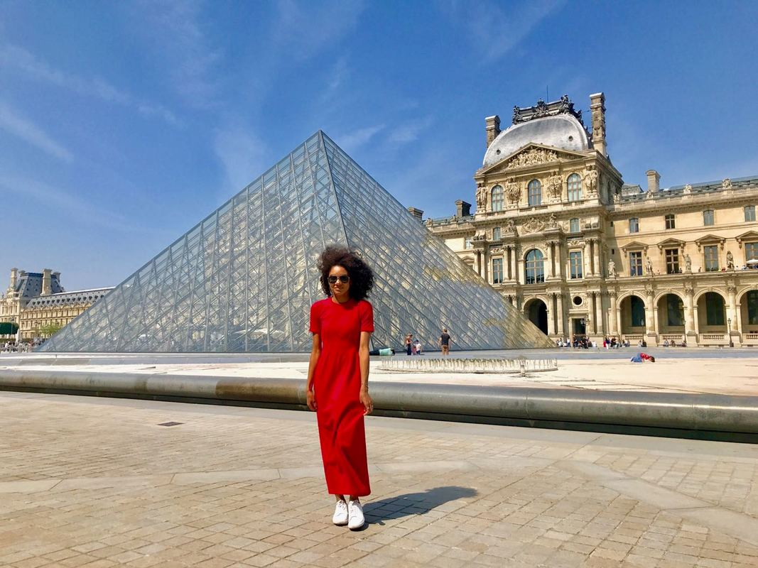 paris, france,red maxi dress, bag lady style, baglady basics, travel writer, louvre